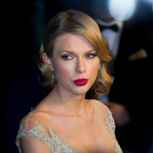 Elegant Taylor Swift