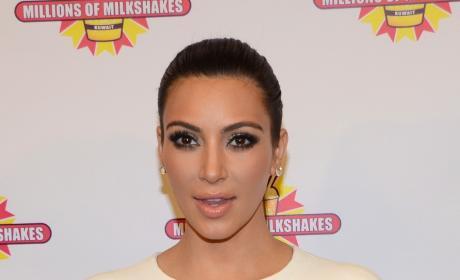 Kim Kardashian Visits Kuwait, Wears Weird Outfit