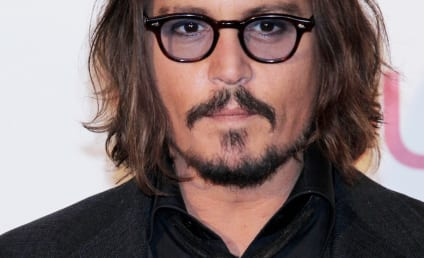 Kristen Stephenson-Pino Cries Out for Attention, Points Flirtatious Finger at Johnny Depp