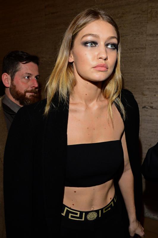 Gigi Hadid: Atelier Versace Show