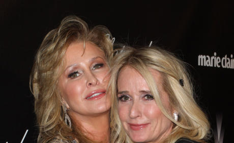 Kathy Hilton on Kim Richards: Doing Well!