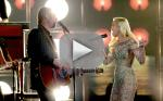 Blake Shelton and Gwen Stefani Duet at the Billboard Music Awards