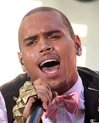 Chris Brown Sings