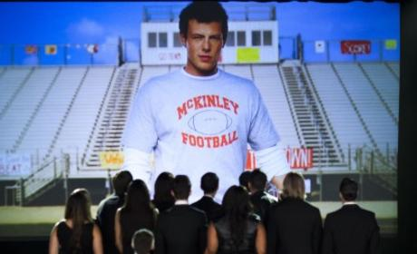 Glee Pays Tribute to Cory Monteith
