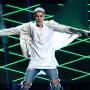 Justin Bieber Performs at Billboard Music Awards