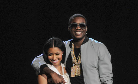 Nicki Minaj: Engaged to Meek Mill? See the Ring!