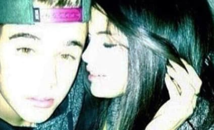 Justin Bieber-Selena Gomez Photo: Posted! Deleted! Hot!