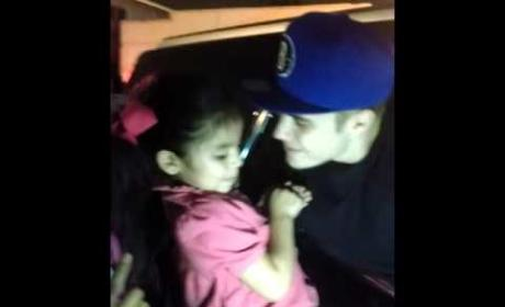 "Justin Bieber Sings ""Baby"" With Young Fan"