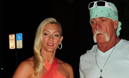 Hulk Hogan Cradles Jennifer McDaniel