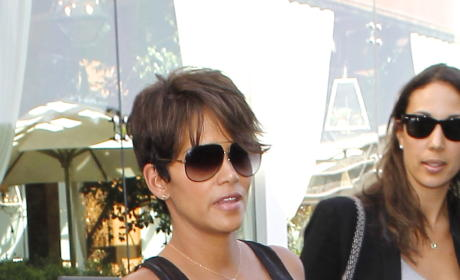 Halle Berry Pregnant Photo