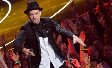 Justin Timberlake Performs Medley of Hits, OWNS MTV Video Music Awards