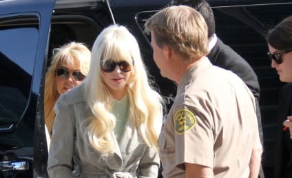 Lindsay Lohan to SNL: Anything Goes!