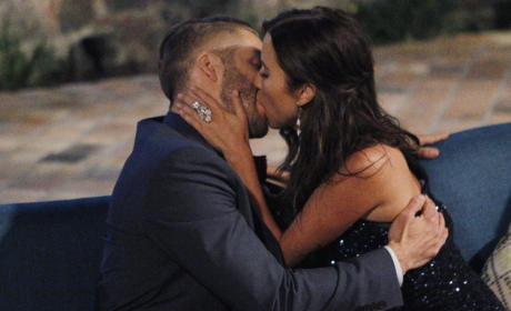 Kaitlyn Bristowe and Shawn Booth Kiss