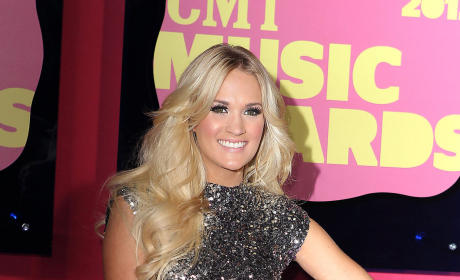 Which former Idol looked best at the 2012 CMT Awards?