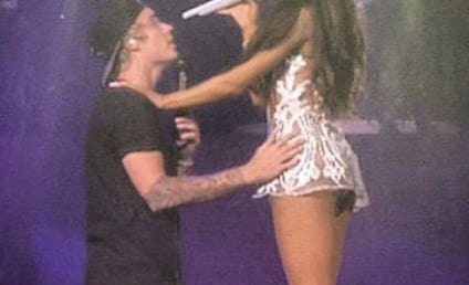 Justin Bieber Joins Ariana Grande on Stage, Forgets Song Lyrics