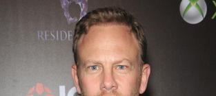 Ian Ziering to Strip for Chippendales