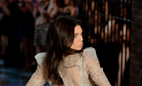 "Victoria's Secret Models: Kendall Jenner Is ""Not A Nice Girl"""