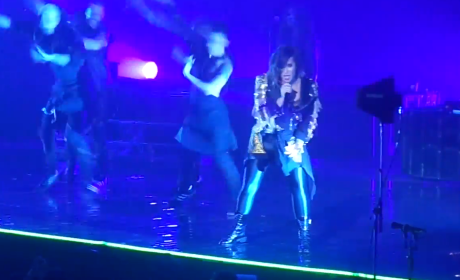 "Demi Lovato Honors Michael Jackson, Performs ""Thriller"" in Concert"