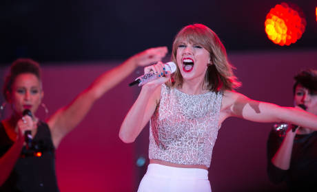 Taylor Swift Album on Pace to Set 2014 Sales Record