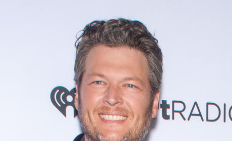 "Blake Shelton: ""Constantly Drunk"" Following Divorce From Miranda Lambert, Source Says"