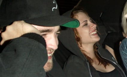 "Witnesses Describe Robert Pattinson and Kristen Stewart as ""A Couple in Love"""