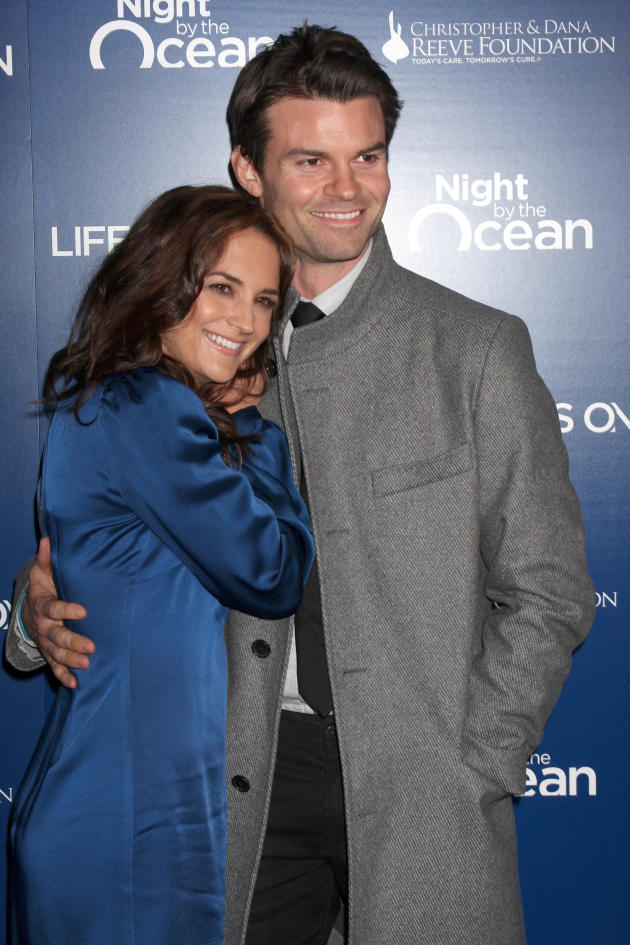 Daniel Gillies and Rachel Leigh Cook