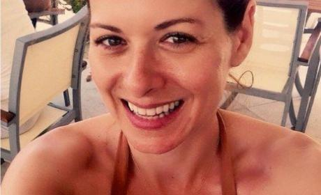 Debra Messing: Weight Loss Photo Stuns Internet!