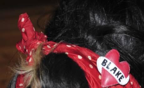 Amy Winehouse's Hair Supports Blake Fielder-Civil