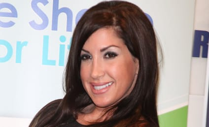 Jacqueline Laurita Admits to Plastic Surgery