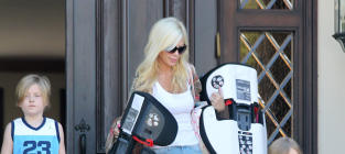Tori Spelling Limo Photos