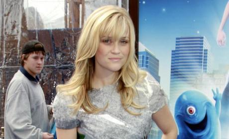Reese Witherspoon Out to Revamp Fashion, Life