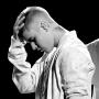 Justin Bieber Scolds Fans, Storms Off Stage