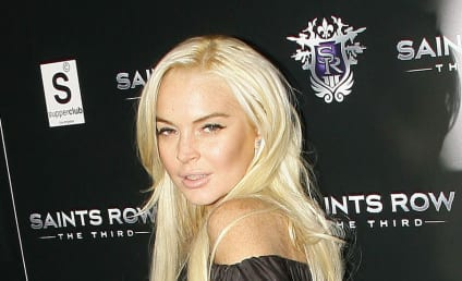 Lindsay Lohan Kicked Out of Community Service Program, Flakes on Probation Tasks, is a Moron
