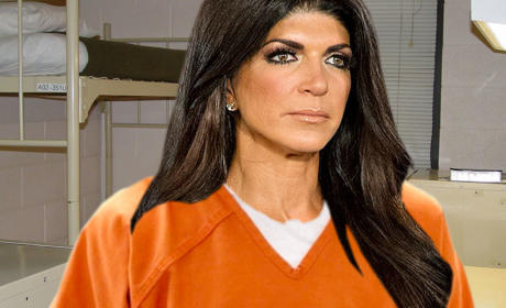 Teresa Giudice: Cell Tossed in Late Night Prison Raid!