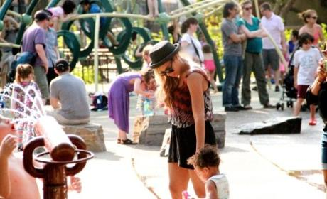 Beyonce and Blue Ivy Visit Playground, Tumblr Melts