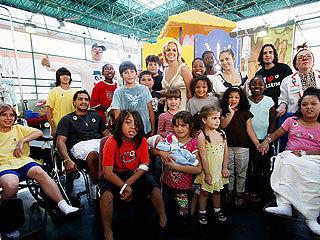 Britney Spears Visits Sick Kids