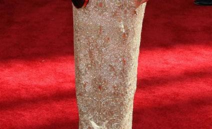 Emmy Awards Fashion Face-Off: Sandra Oh vs. Kate Walsh
