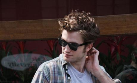 Robert Pattinson to Fans: Remember Me!