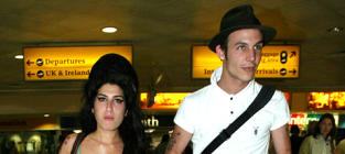 Amy Winehouse Still Loves Blake Fielder-Civil