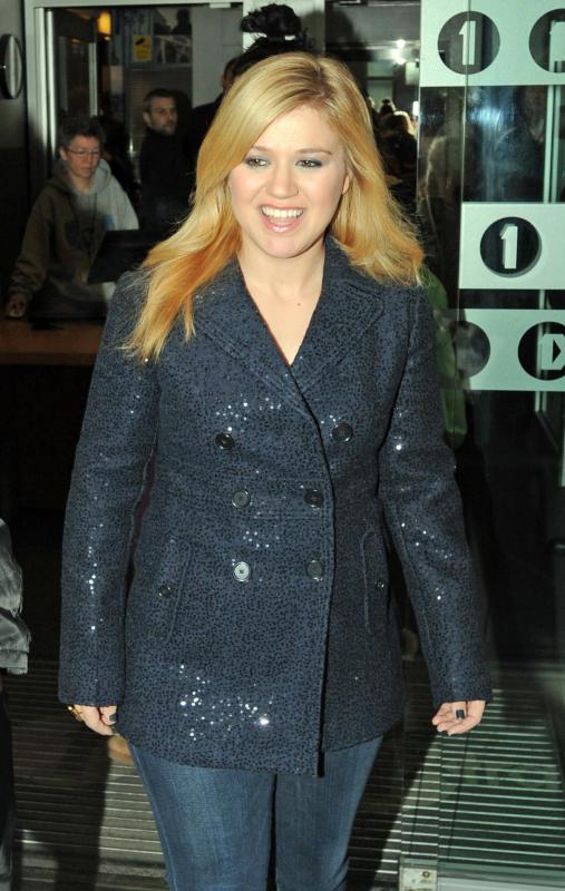 Blonde Kelly Clarkson