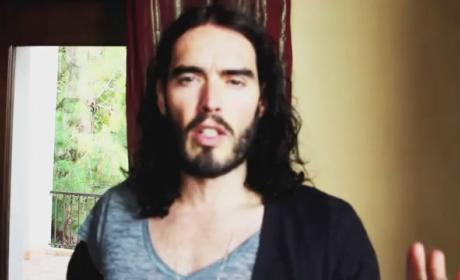 Art Imitiating Life? Russell Brand Takes Off Wedding Ring Before Stand-Up Tour