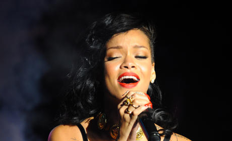 Rihanna 777 Documentary: Concert Film to Premiere May 6 on Fox