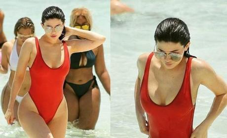 Kylie Jenner Swimsuit Image