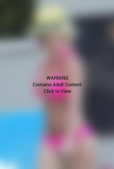 Britney Spears, Pink Bikini
