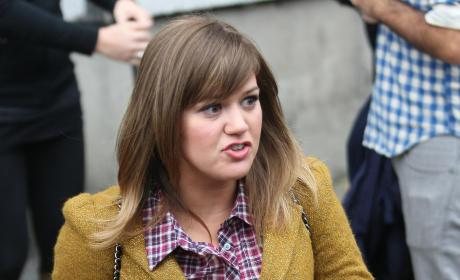 Kelly Clarkson: Fat?