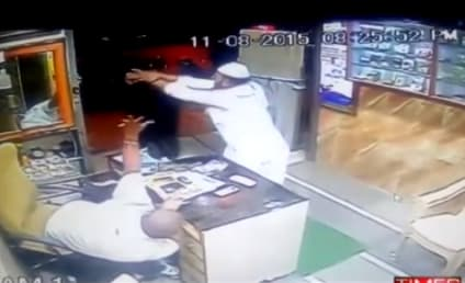 Patron in India Fights Off Sword-Wielding Goon: Watch!