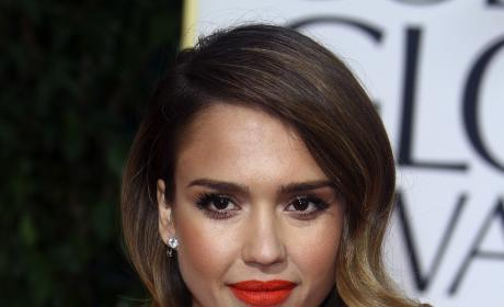 Jessica Alba Golden Globes Necklace: Worth How Much?!?