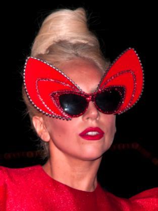 Gaga = Devil!