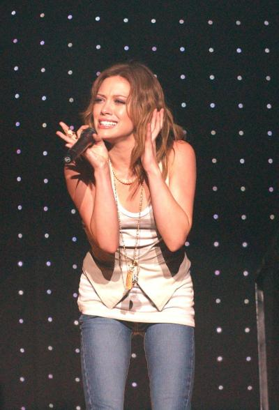 Hilary Duff Performs In Holland