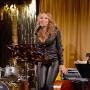 Mariah Carey Sings on Stage